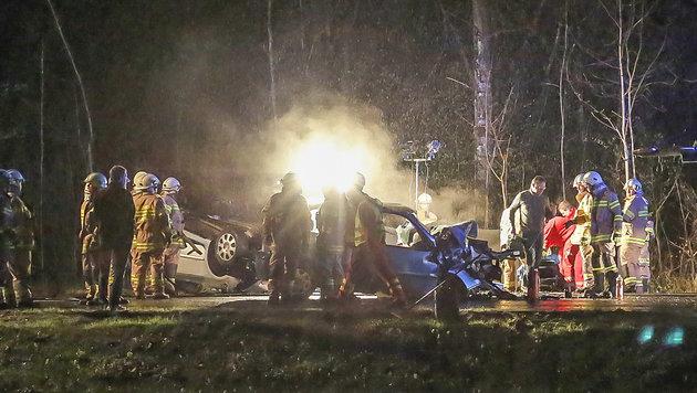 Die beiden Fahrzeuge wurden bei der Kollision völlig zerstört. (Bild: MARKUS TSCHEPP)