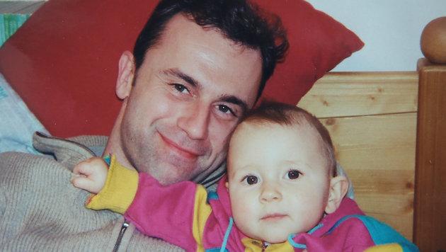 Ein Bild aus früheren Tagen: Norbert Hofer mit seiner Tochter Anna-Sophie. (Bild: KRONEN ZEITUNG)