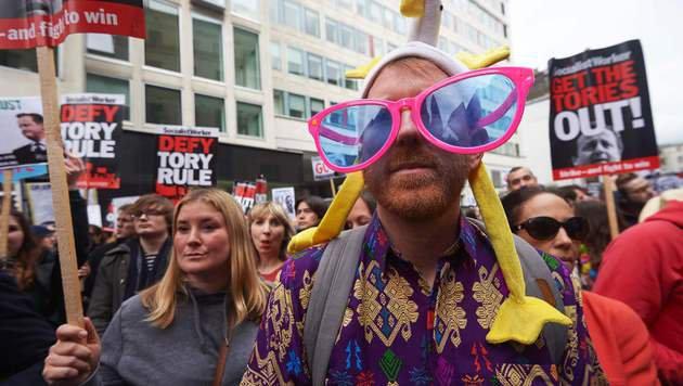 Proteste gegen Cameron (Bild: AFP)