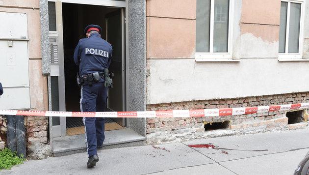 Wien: Ehepaar nach Messerstecherei schwer verletzt (Bild: APA/HERBERT P.OCZERET)