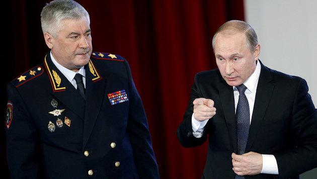 "Putin ""steuert geheime Armee in Deutschland"" (Bild: APA/AFP/POOL/SERGEI CHIRIKOV)"