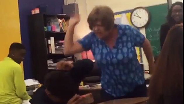 Schüler verprügelt: US-Lehrerin verhaftet (Bild: twitter.com)