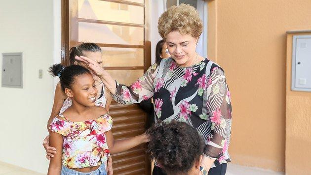 Brasiliens Pr�sidentin Dilma Rousseff steht seit Langem unter Druck. (Bild: APA/AFP/PRESIDENCY OF BRAZIL/ROBERTO STUCKERT FILHO)