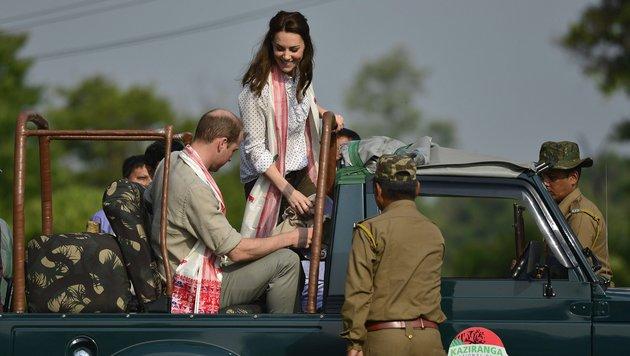 Prinz William und seine Frau Kate auf Safari im indischen Kaziranga-Nationalpark. (Bild: EPA)