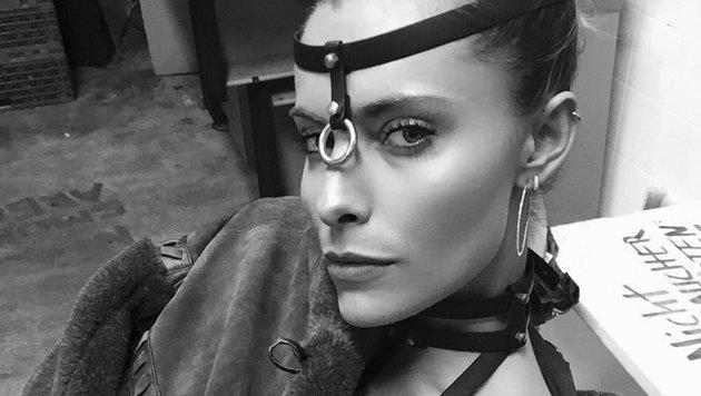 Sophia Thomalla teilt heiße SM-Fotos auf ihrem Instagram-Account. (Bild: instagram.com/sophiathomalla)