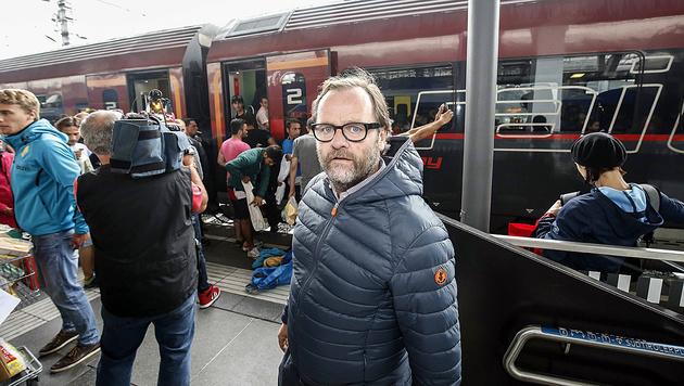 Sepp Schellhorn (NEOS) hilft bereits seit Monaten Asylwerbern. (Bild: Markus Tschepp)