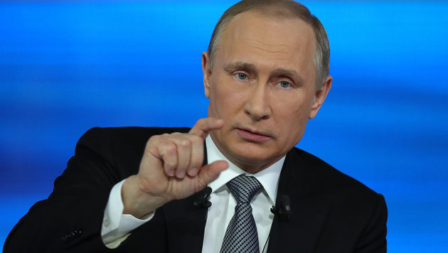 Groteske um Sextat: Putin kritisiert unsere Justiz (Bild: Associated Press)