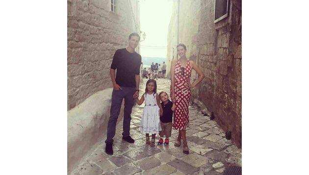 Ivanka Trump mit ihrem Ehemann Jared Kushner und zwei der drei Kinder (Bild: Viennareport)