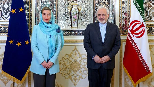 EU-Außenbeauftragte Federica Mogherini mit Irans Außenminister Mohammad Javad Zarif (Bild: AP)