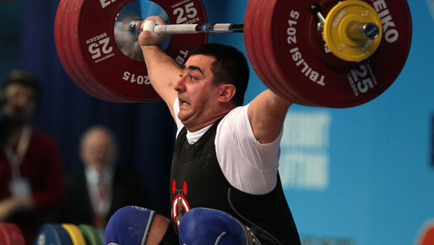 Gewichtheber Martirosjan holt EM-Bronze im Reißen (Bild: ZURAB KURTSIKIDZE/EPA/picturedesk.com)