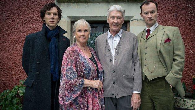 Familie Holmes mit den ständig konkurrierenden Brüdern Sherlock und Mycroft (Bild: BBC One)