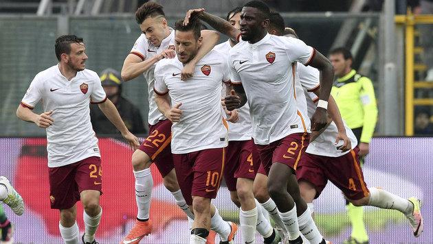 Oldie Francesco Totti rettet die Roma (Bild: AP)