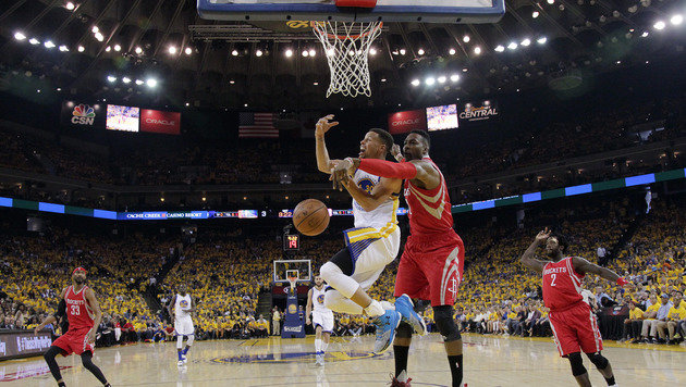 Play-off-Start: Golden State siegt, Curry verletzt (Bild: AP)