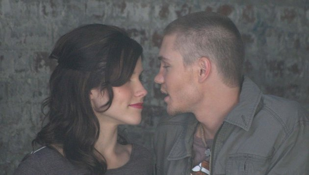 "Sophia Bush und Chad Michael Murray beim Fotoshooting für ""One Tree Hill"" (Bild: Viennareport)"