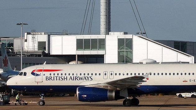 Airbus in London offenbar von Drohne getroffen (Bild: wikipedia.org/Lasse Fuss (Symbolbild))