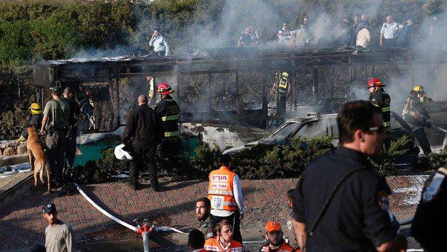 Jerusalem: 21 Verletzte bei Explosion in Bus (Bild: APA/AFP/Thomas Coex)