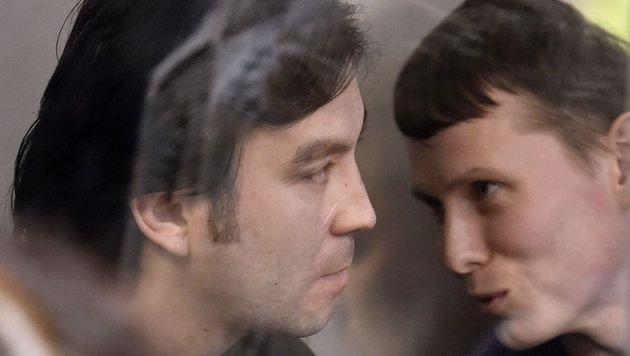 Die beiden russischen Soldaten Alexander Alexandro (re.) und Jewgeni Jerofejew wurden verurteilt. (Bild: AFP)