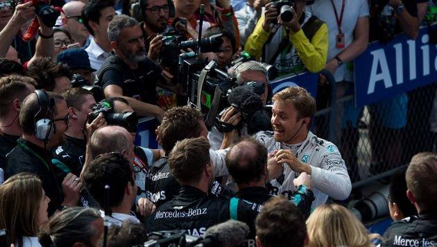 """Rosberg: """"Dieser Sieg ist für alle meine Frauen"""" (Bild: AFP or licensors)"""