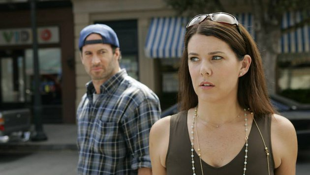 "Scott Patterson und Lauren Graham in ""Gilmore Girls"" (Bild: facebook.com/GilmoreGirls)"