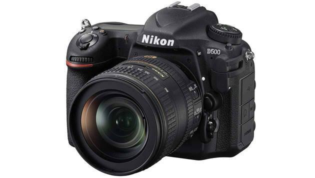 Beste Experten-Spiegelreflex (APS-C-Format): Nikon D500. Preis: ab rund 2330 Euro (nur Gehäuse). (Bild: Nikon)