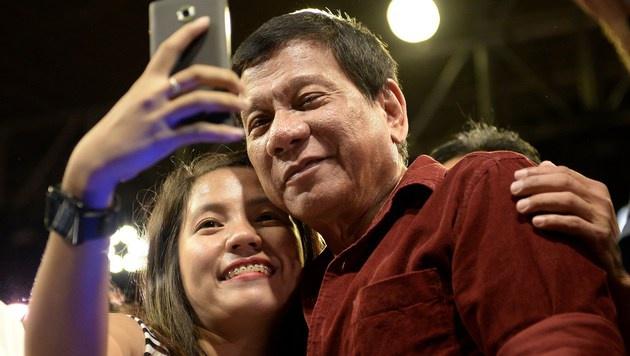 Wahlfavorit schockt mit Vergewaltigungs-Sager (Bild: APA/AFP/Noel Celis)