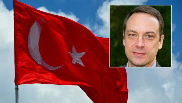 Türkei verweigerte ARD-Reporter die Einreise (Bild: flickr.com/Harold Litwiler, twitter.com/VSchwenck)