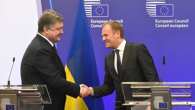 Der ukrainische Präsident Petro Poroschenko und EU-Ratschef Donald Tusk (Bild: AFP or licensors)