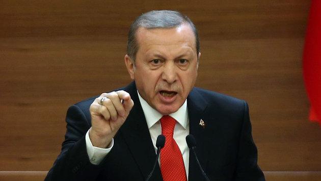 Bekommt der Sieger des Lyrik-Wettbewerbs auch Ärger mit Erdogan? (Bild: APA/AFP/ADEM ALTAN)