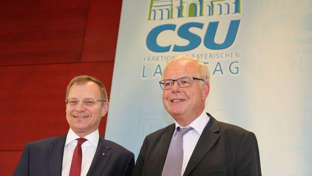 ÖVP-Landesvize Tom  Stelzer in München bei CSU-Politiker Thomas Kreuzer (r.). (Bild: Kronen Zeitung)