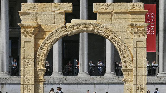 3D-Druck lässt zerstörtes Denkmal auferstehen (Bild: AP)