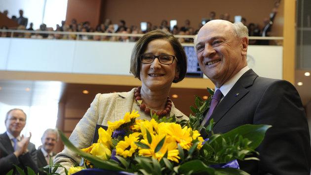 Mikl-Leitner zur Pröll-Stellvertreterin gewählt (Bild: APA/HERBERT PFARRHOFER)