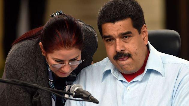 Präsident Maduro macht sich mit seinen jüngsten Maßnahmen gegen die Wirtschaftskrise nicht beliebt. (Bild: APA/AFP/JUAN BARRETO)