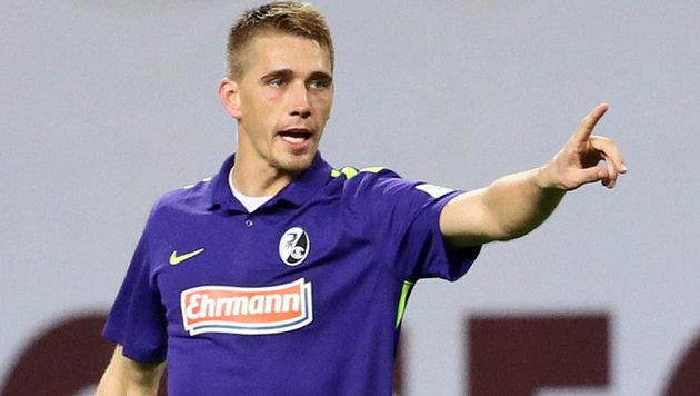 Nils Petersen bejubelt den Sieg seines SC Freiburg. (Bild: GEPA)