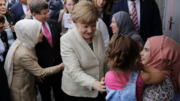Angela Merkel im Flüchtlingslager Nizip (Bild: APA/AFP/STR)