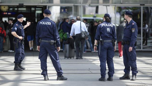 Wien: Vier Verletzte bei Schlägerei am Praterstern (Bild: APA/Robert Jäger)