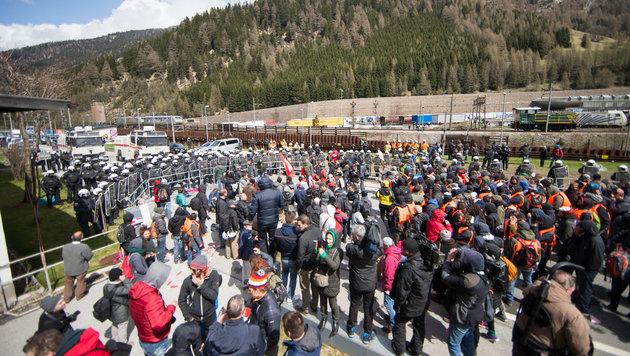Großalarm für unsere Brenner-Grenze! (Bild: APA/EXPA/ JOHANN GRODER)