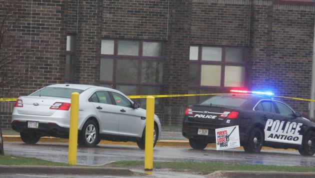Schießerei an US-Schule: Ein Toter, zwei Verletzte (Bild: AP)