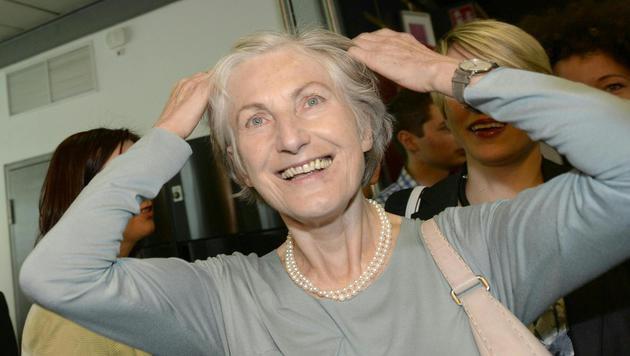 Irmgard Griss bei ihrer Wahlfeier am Sonntagnachmittag (Bild: APA/HANS KLAUS TECHT)