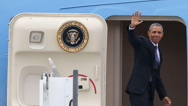 Bye bye, Barack (Bild: APA/AFP/RONNY HARTMANN)