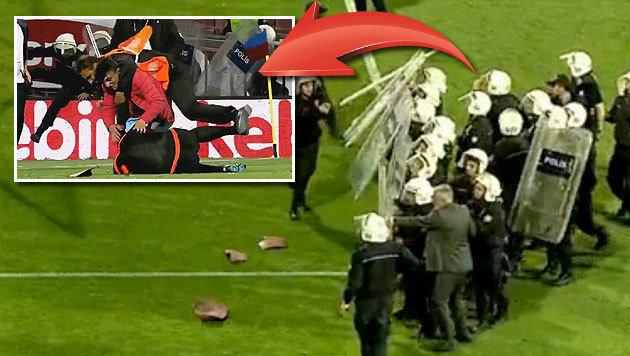 Skandal: Schiri bei Fenerbahce-Match geprügelt (Bild: YouTube.com)