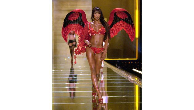 Naomi Campbell am Laufsteg für Victoria's Secret (Bild: Viennareport)