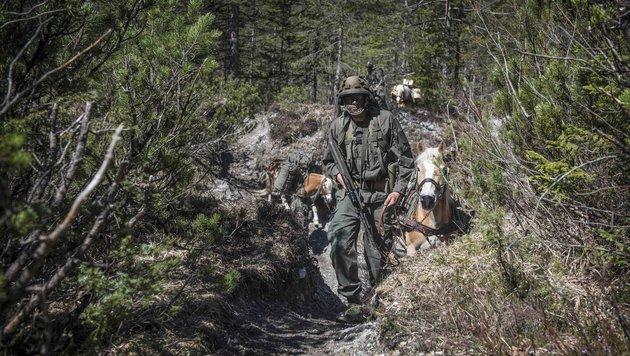 Besuch bei den kräftigen Helfern des Jagdkommandos (Bild: HBF/Daniel TRIPPOLT)