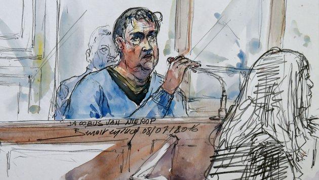 So sieht der Gerichtszeichner Jacobus Marinus Van Nierop. (Bild: APA/AFP/Benoit Peyrucq)