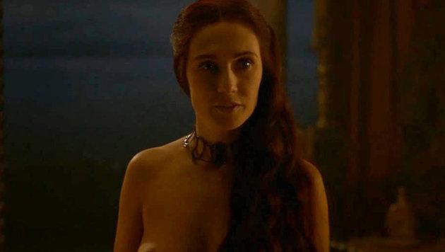 """Carice van Houten in einer Nacktszene der Serie """"Game of Thrones"""" (Bild: Viennareport)"""