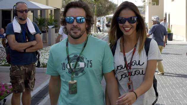 Fernando Alonso und Lara Alvarez (Bild: AFP)