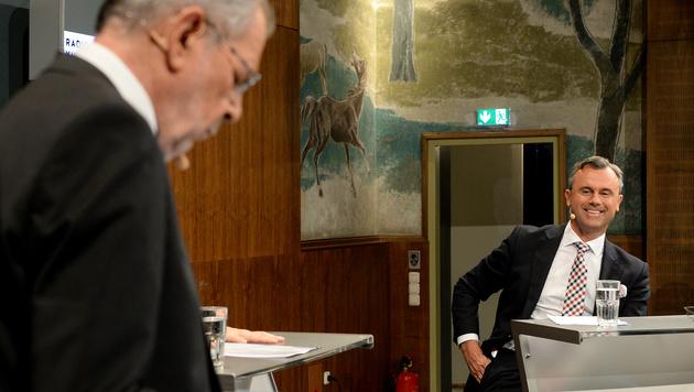 Kuschelweiche Debatte Van der Bellen - Hofer (Bild: APA/Roland Schlager)
