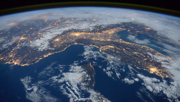 Smartphone-Ortung bald auf 30 Zentimeter genau (Bild: NASA)