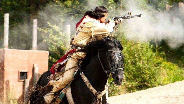 Schauspieler Thomas Koziol als Winnetou zu Pferd (Bild: zVg)