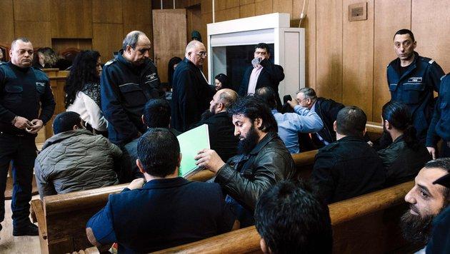 Prozess gegen 14 Islam-Prediger in Pasardschik (Bild: AFP)