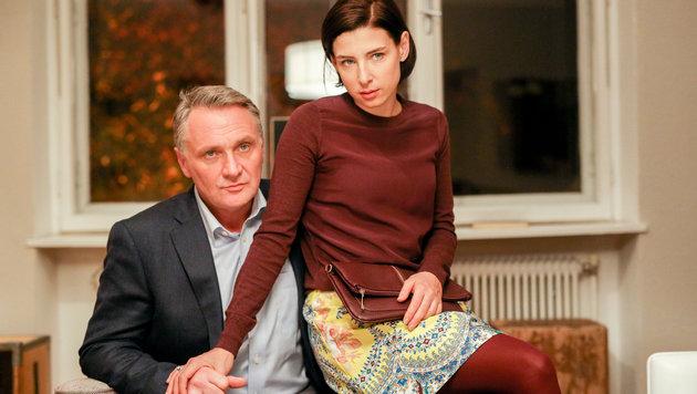 Bernhard Schir (Hadrian Melzer) und Martina Ebm (Caroline Melzer) (Bild: ORF)